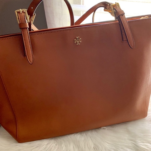 Tory Burch Handbags - Tory Burch Tote